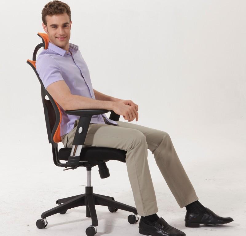 Эргономичное кожаное кресло Expert Star Euro