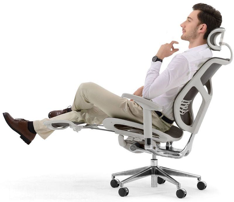 Особенности кресла Expert Star с подножкой